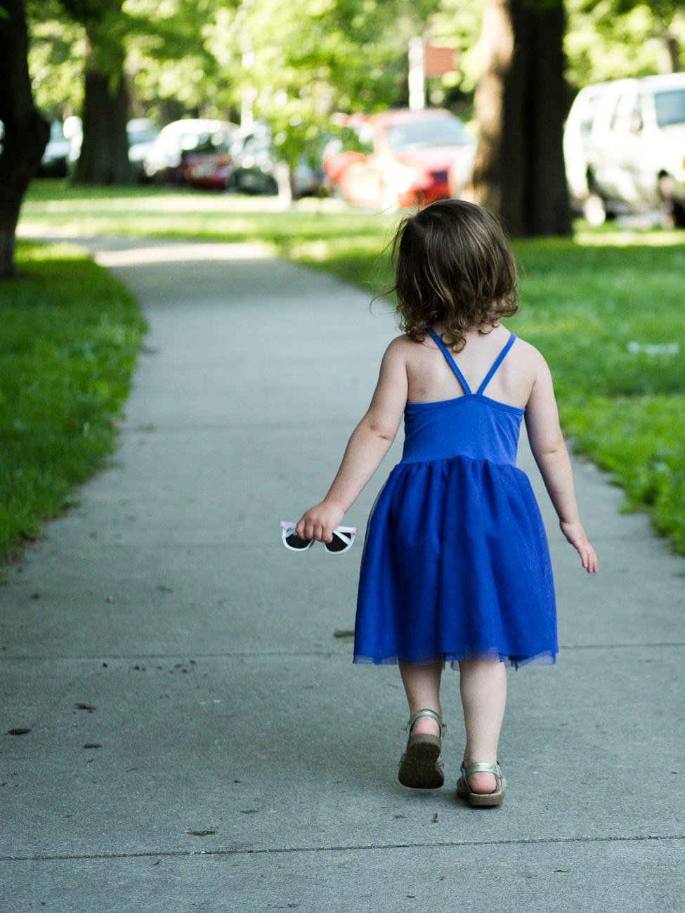 littlegirl with sun glasses