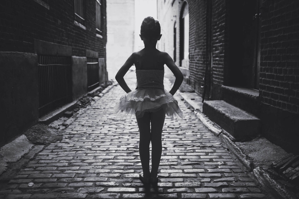 A Philly Alley Mini-Session of a Mini-Ballerina