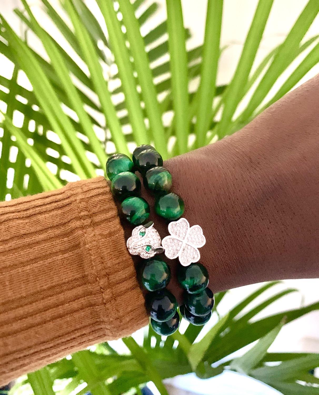 Thumbnail: Green Tiger Eye Clover Charm Bracelet
