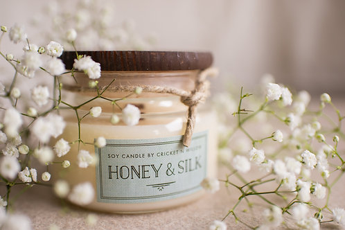 Honey Scented Soy Wax Candle with Crackling Wood Wick for Rustic Home Decor, Bed