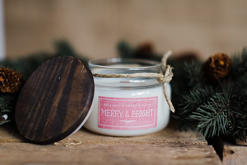 Scented Soy Candle with Wood Wick Merry and Bright