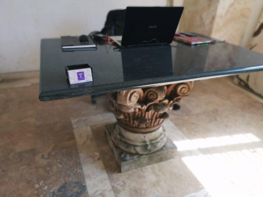 mesa con capitel 02.jpg
