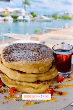 Pancakes, sirop d'érable canadien