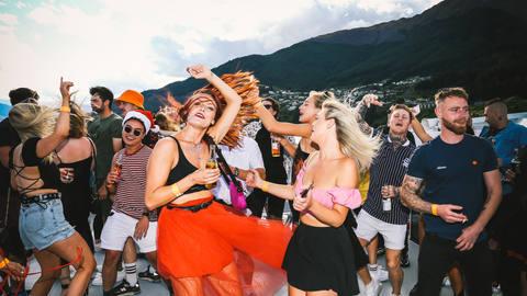 Kick:On Xmas Boat Party