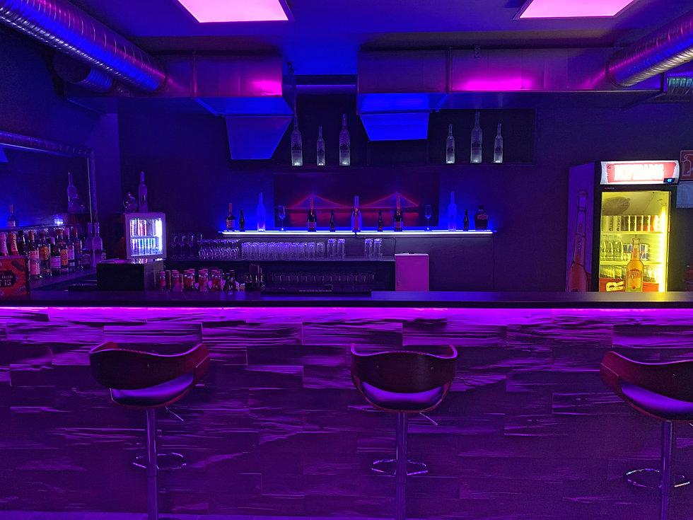 Bar Front Dunkler.jpg
