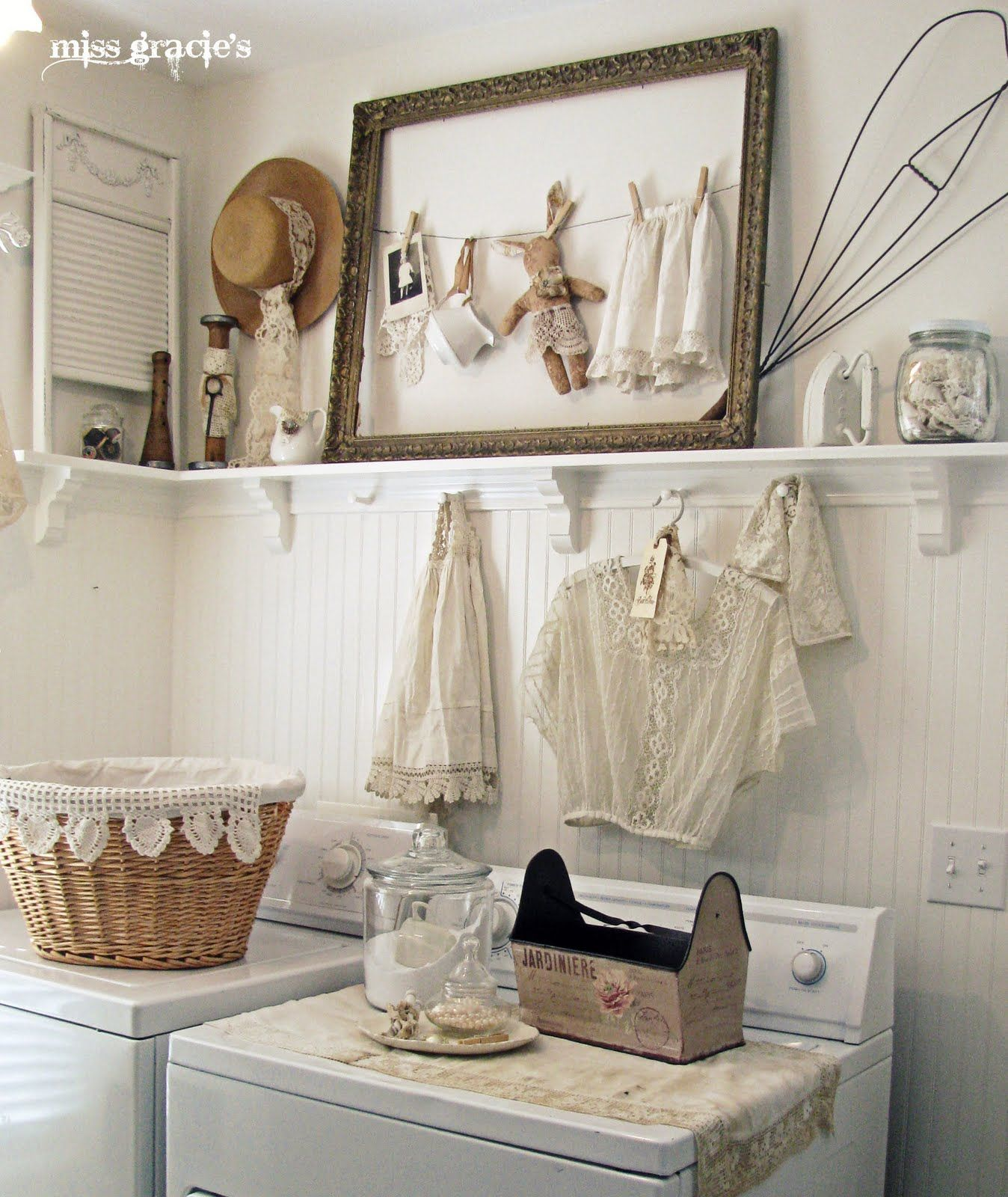 shabby-chic-decor-laundry-room