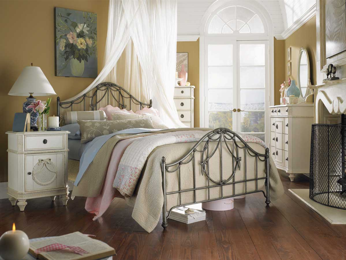shabby-chic-bedroom-furniture