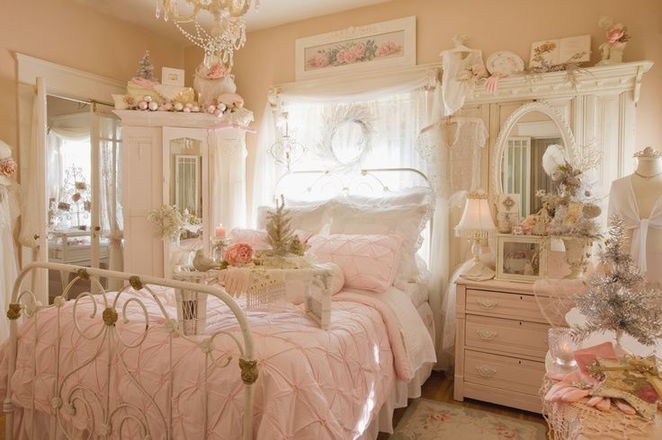 shabby-chic  iron bed