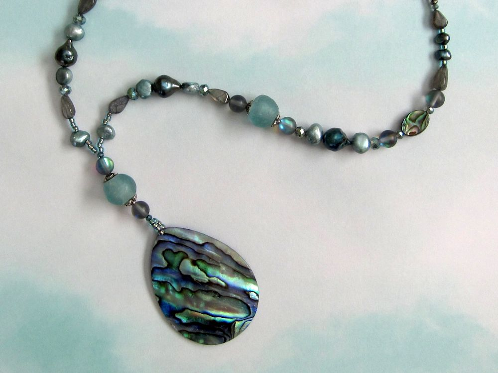 Abalone pendant pearl necklace