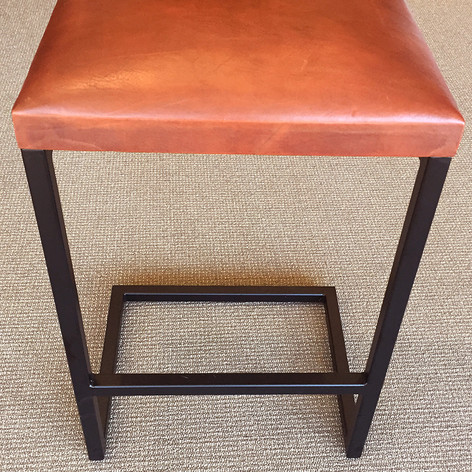 Peruivan Leather Stool_4.jpg