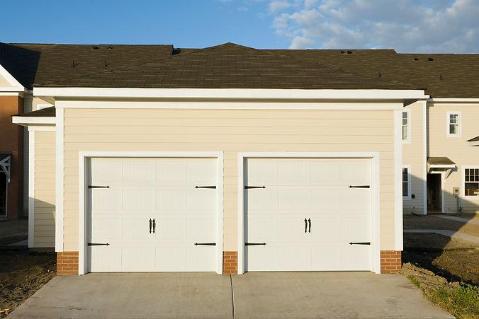 townhouse-garages-ENWVBTR.jpg