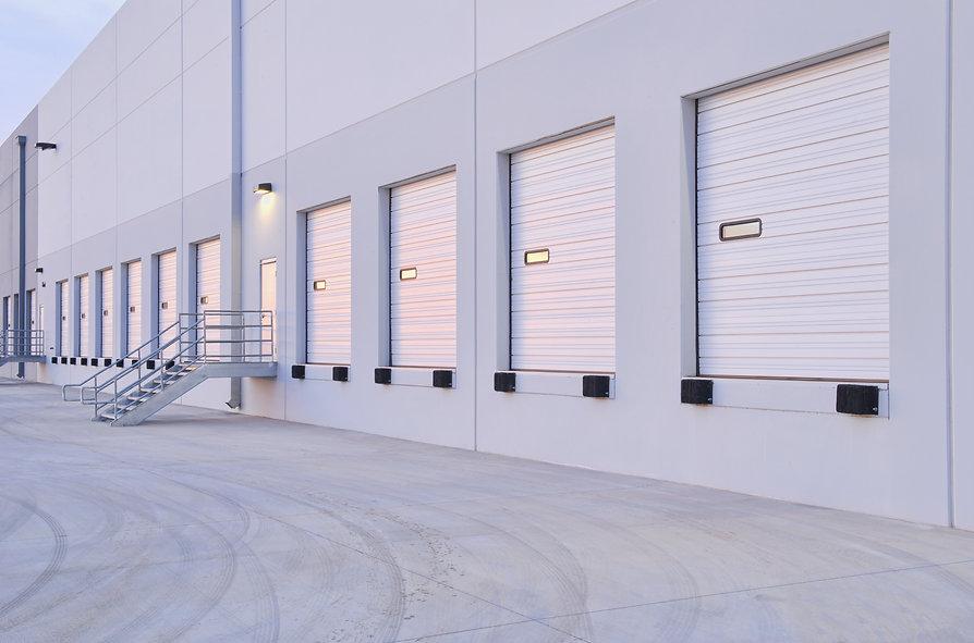 distribution-center-bay-doors-EKCRNLB.jp