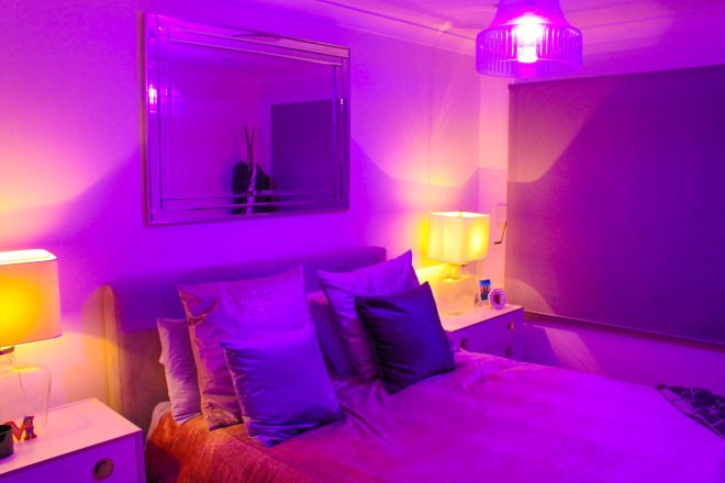 Mr Neo Luxe review Philips Hue