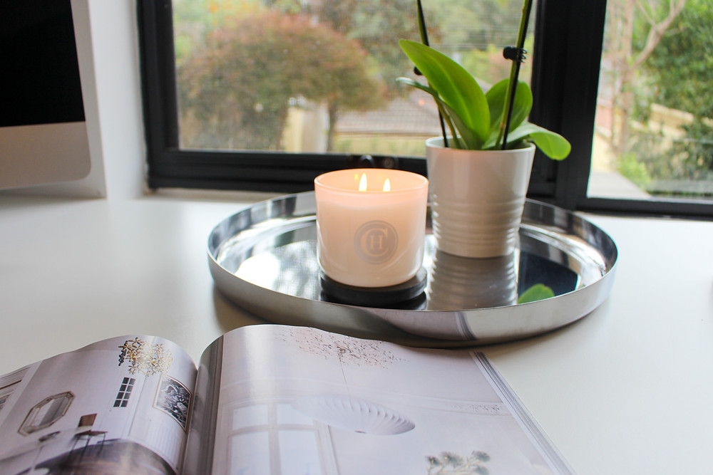 Mr Neo Luxe reviews Circa Home Fresh Linen soy candle