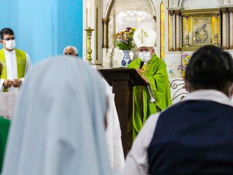 Dom Gilberto preside missa na Igreja Nossa Senhora dos Remédios