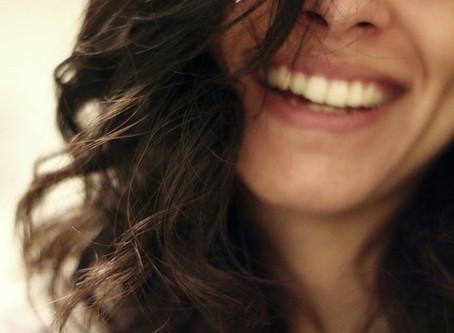 Stratégies pour booster son immunité : le rire