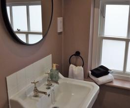 Earl Bathroom