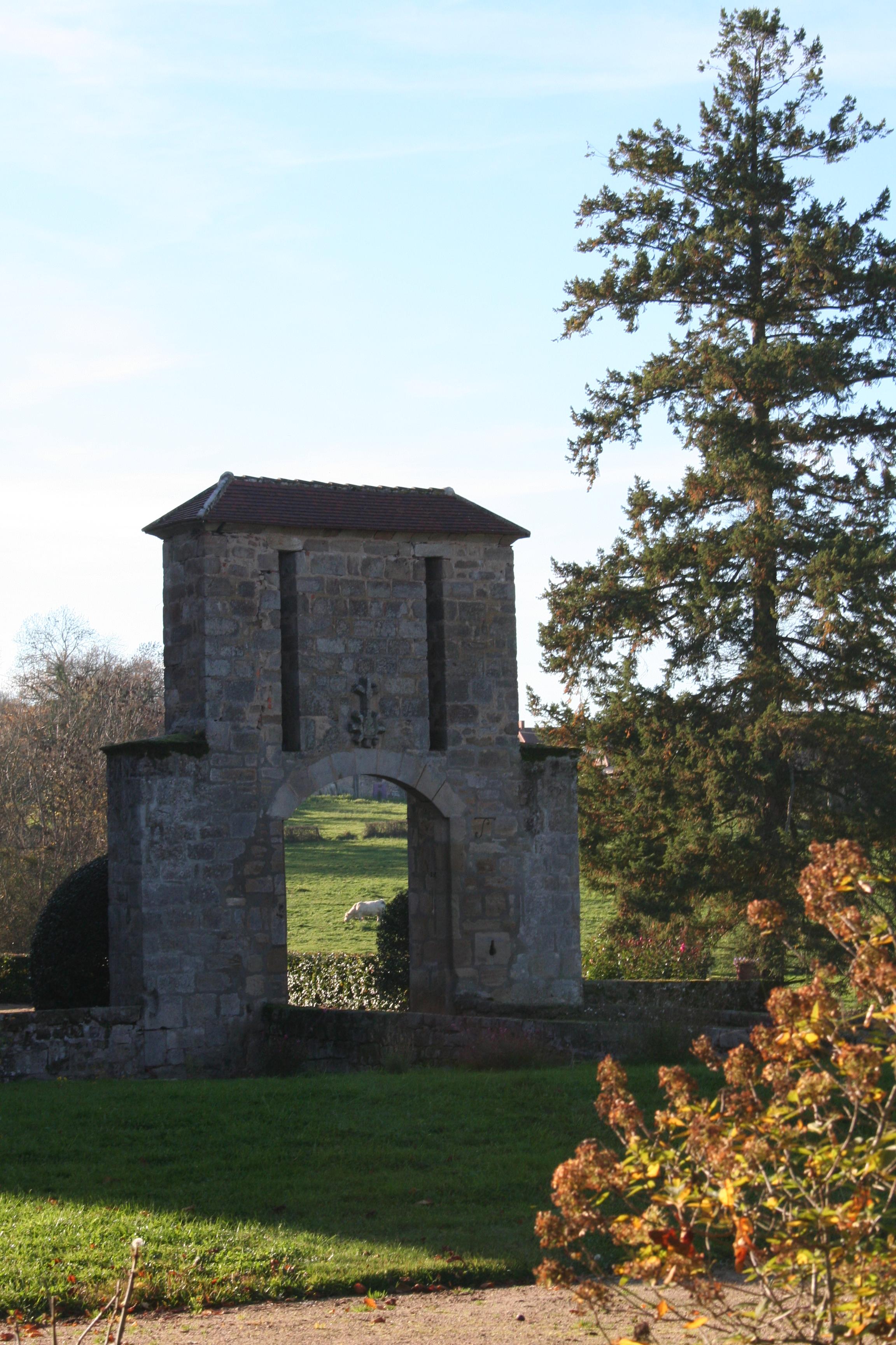 Ancien pont levis Château Morlet