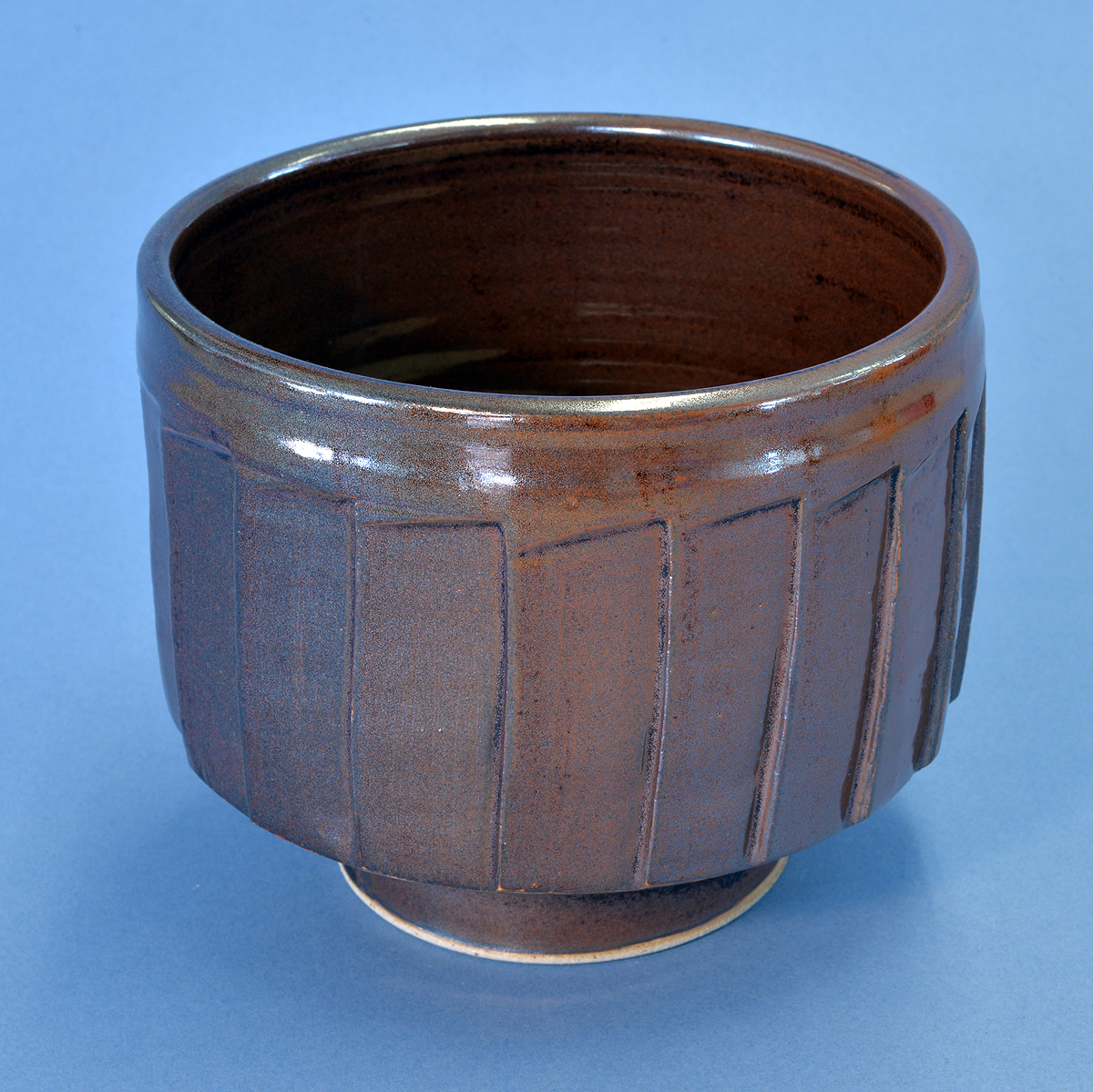 Cut-sided brown jar