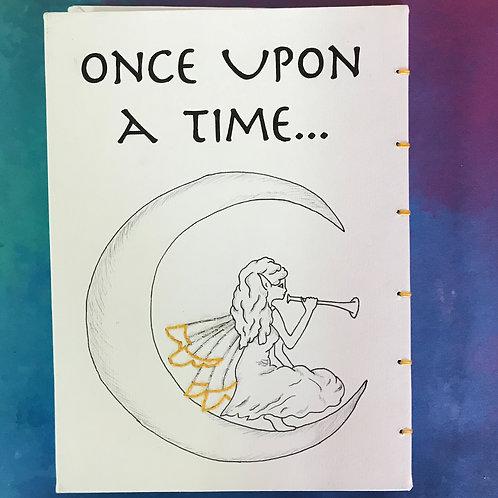 יומן בעבודת יד Once Upon a Time איור מקורי של פיה, בשילוב רקמה