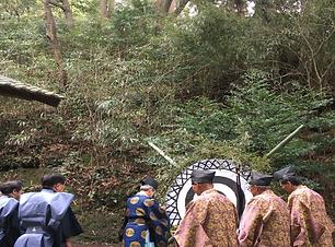都万地区にある高田神社、弓祭りの一幕