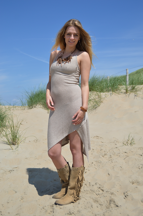 Jurk asimetric zand