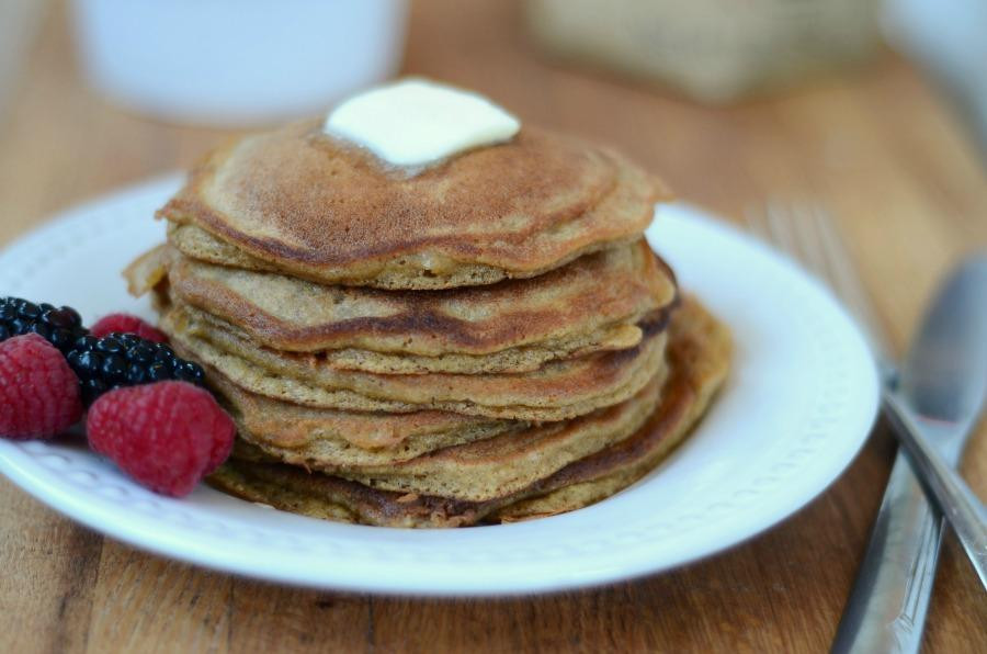 Healthy LIfe Selections recommends tiger nut flour for gluten free vegan recipes and paleo diets tiger nut pancakes recipe by Anthony's Goods for paleo breakfast