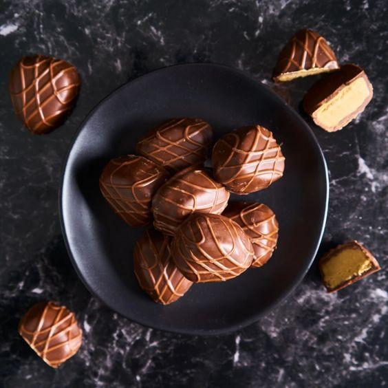 Keto fat bomb recipes ketogenic desserts Truffles with Peanut Butter