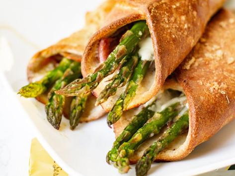 Keto Friendly Asparagus and Prosciutto Flatbread Wraps