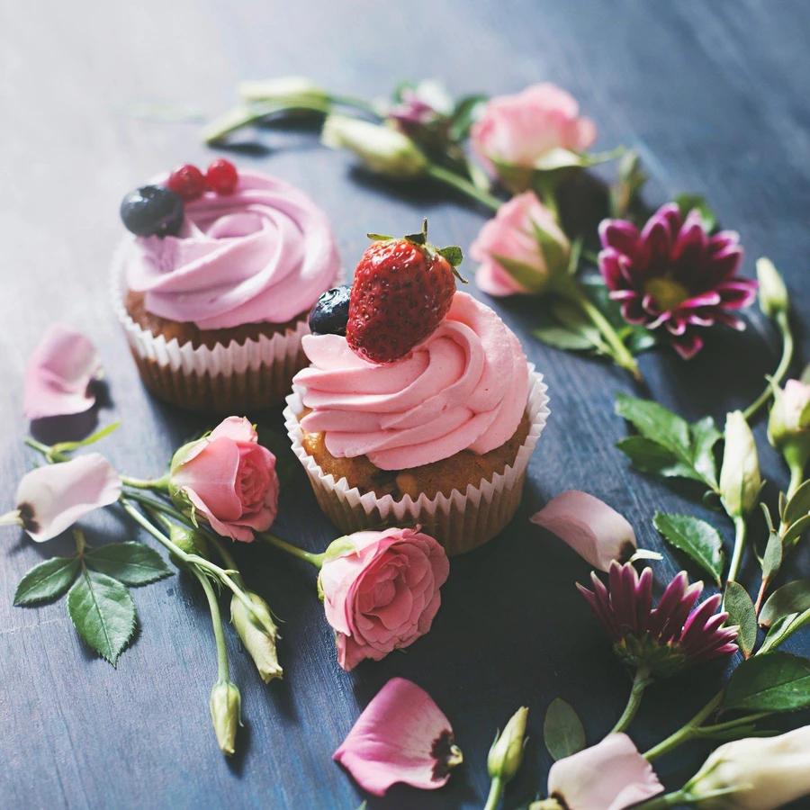 Keto Friendly frosting with skinny syrup Strawberry rose By Jordan's skinny syrups ketogenic desserts