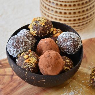 Keto friendly fat bomb snacks ketogenic recipes by Healthy Life Selections