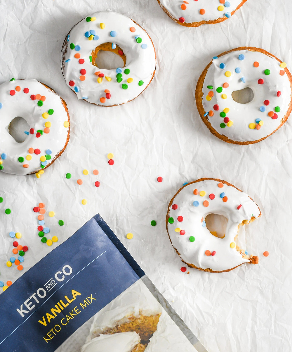 Keto friendly donut recipe by Keto and co Jaredcluck with vanilla cake mix old fashioned style ketogenic recipes