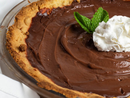 Decadent Keto Chocolate Peppermint Pie Recipe