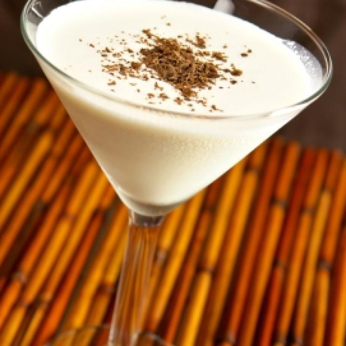 Skinny Sugar Free keto ketogenic coffee recipes low carb sugar free Almond Roca® Syrup half & half  ice slivered almonds for garnish, optional sugar free whipped cream, optional INSTRUCTIONS Combine ingredients in a shaker glass filled with ice. Shake until blended and strain into a martini gl
