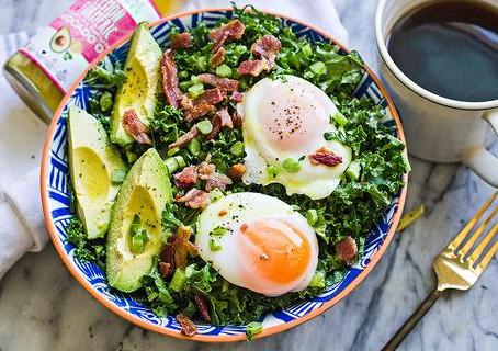 Poached Egg & Turmeric Breakfast Salad