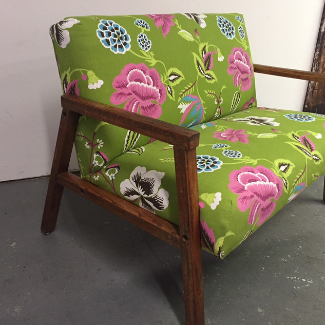 1960s loveseat in floral print