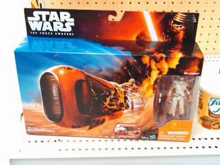 "Rey's Speeder Spotted & More! ""The Force Awakens"" Merchandise Starting To Show"