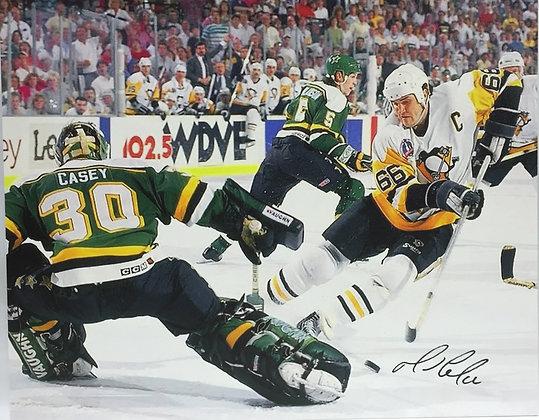 Mario Lemieux Autographed 16x20 Canvas - 1991 Stanley Cup Finals vs Casey