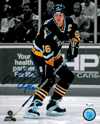 Mario Lemieux Autographed 8x10 Photo - Spotlight