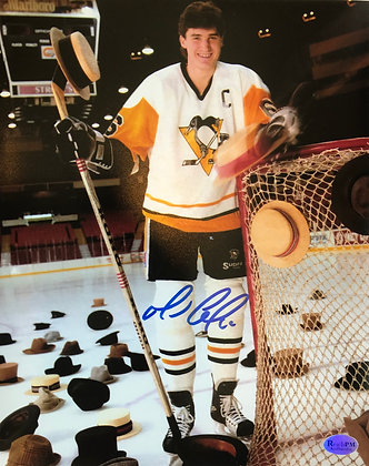 Mario Lemieux Autographed 8x10 Photo - Posing with Hats