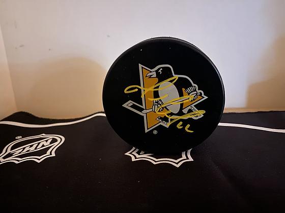 Mario Lemieux Autographed Pittsburgh Penguins Puck- Large Logo