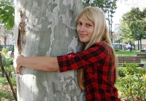 woman-hugging-tree-trunk.jpg