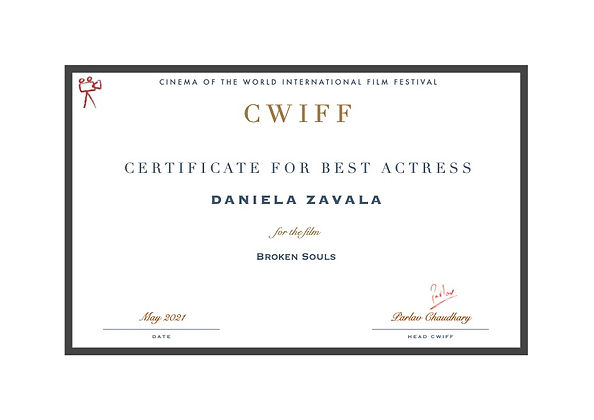18. Best Actress - Daniela Zavala.jpg