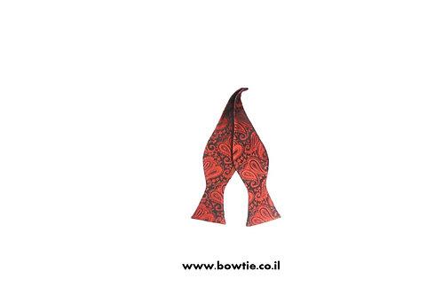 עניבת פפיון קשירה אדומה עיטורים