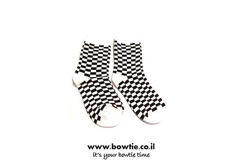 גרביים משבצות שחור לבן