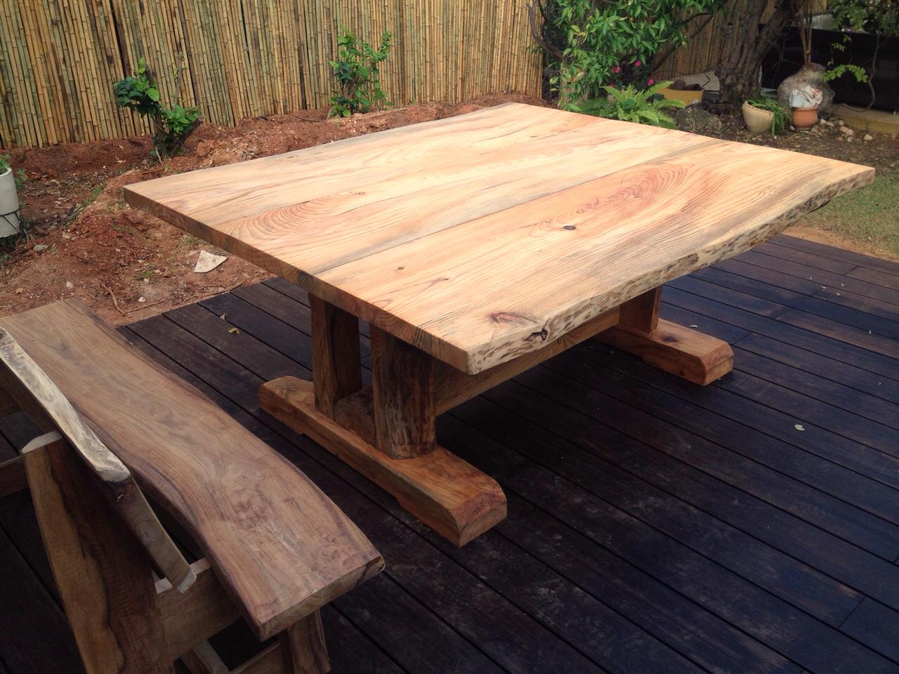 שולחן עץ טבעי