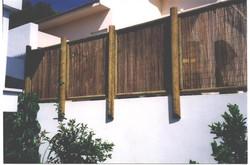 גדר בשילוב במבוק
