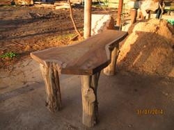 שולחן סיסם