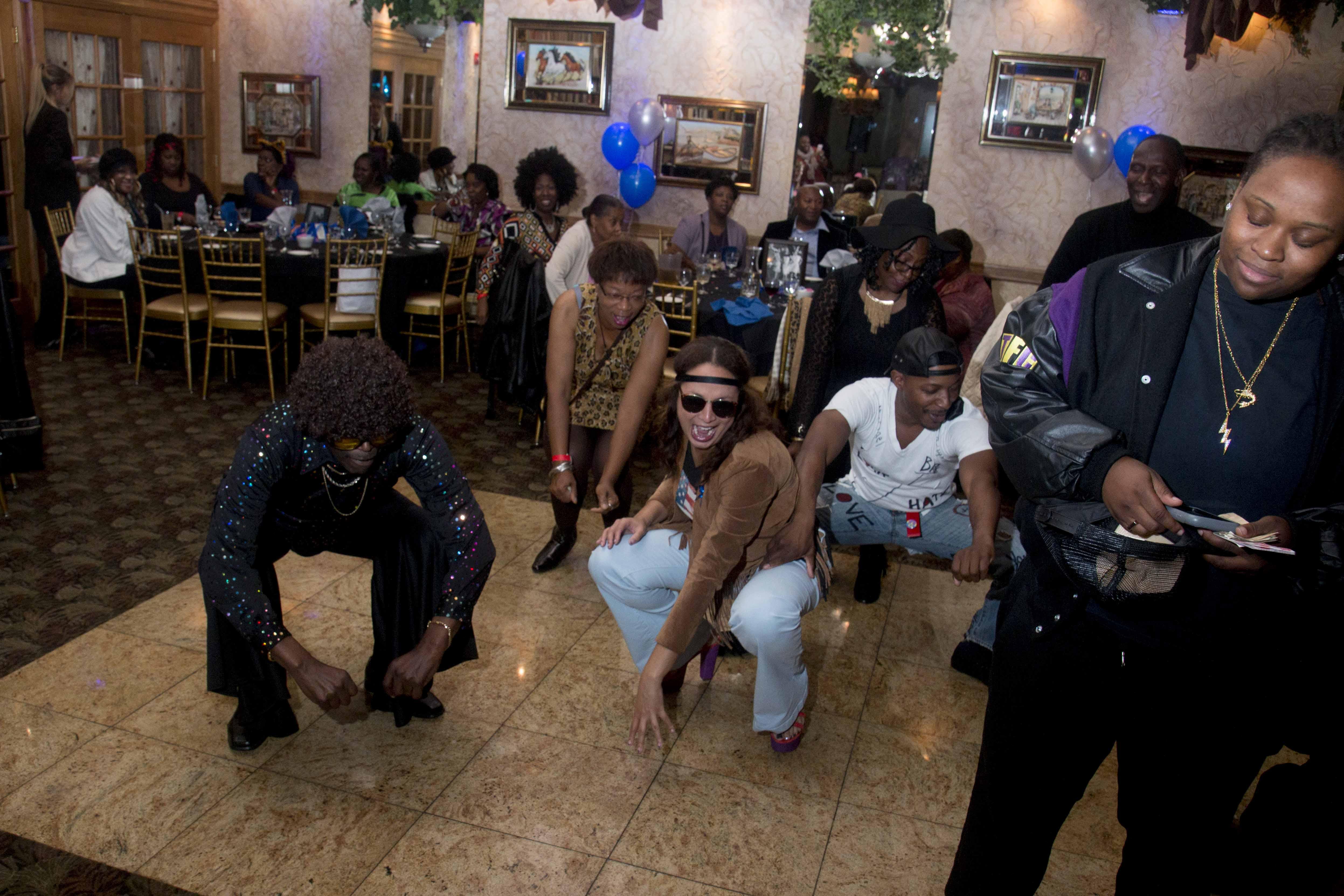 L-Train Memorial Foundation - Throwback Jam (Bella Italian Restaurant, Orange, NJ) 10-28-16_0123