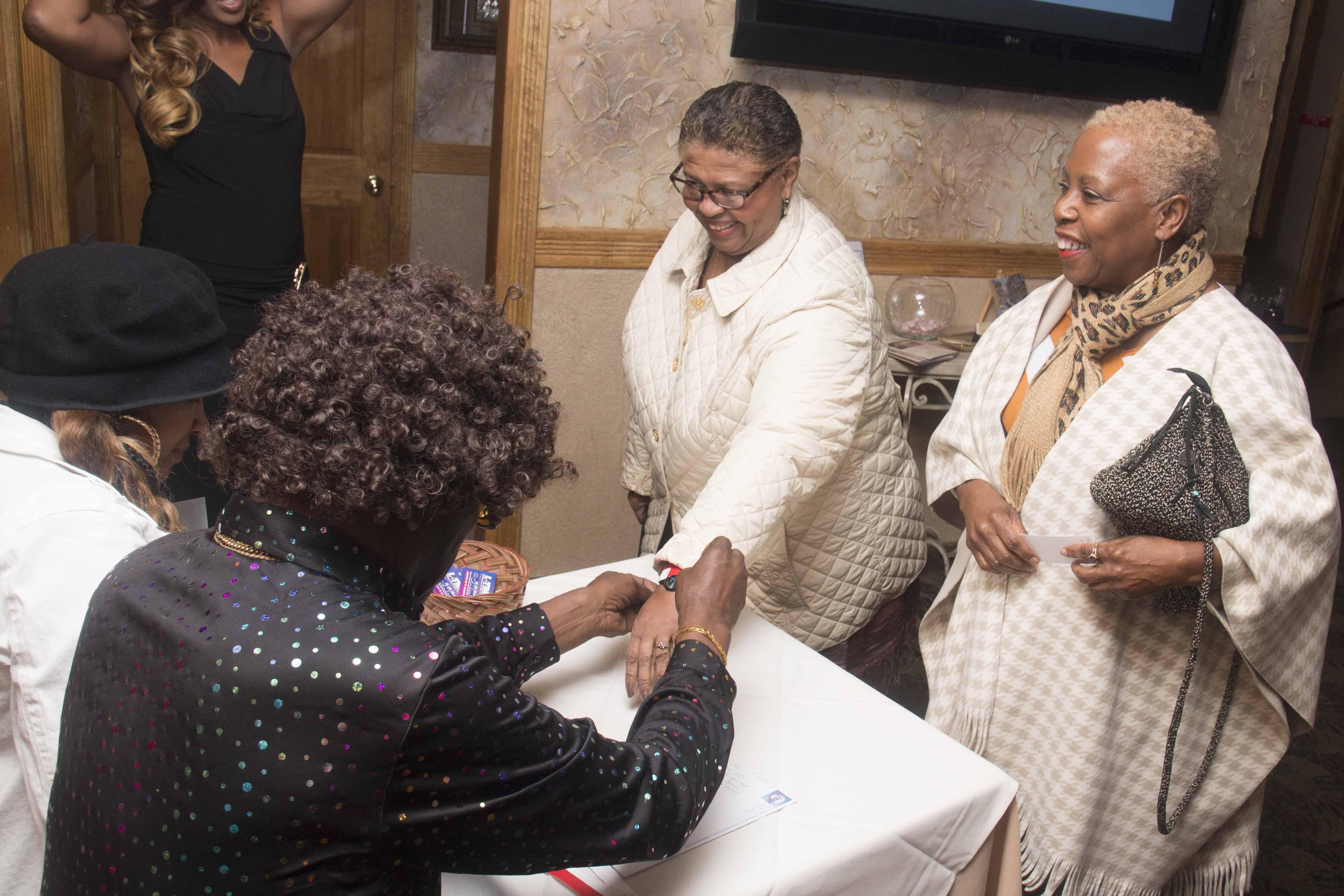 L-Train Memorial Foundation - Throwback Jam (Bella Italian Restaurant, Orange, NJ) 10-28-16_0026